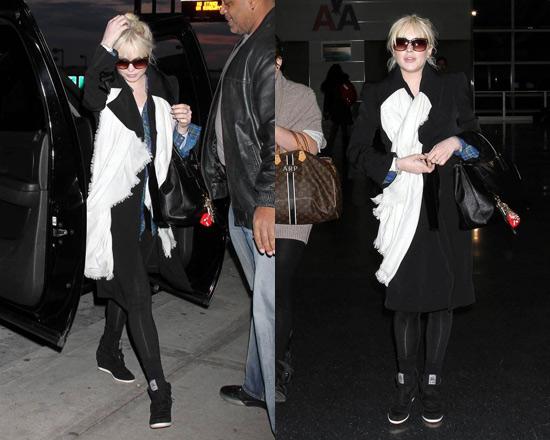 ee395f55c6b0 Lindsay Lohan's Prada Saffiano Lux Top-Handle Open Tote –  CelebrityFashionista.com
