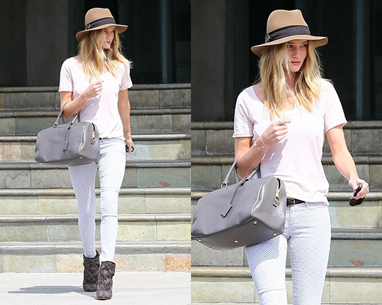 e5f8eb9f9c9 Rosie Huntington-Whiteley steps out in a pair of Isabel Marant ...