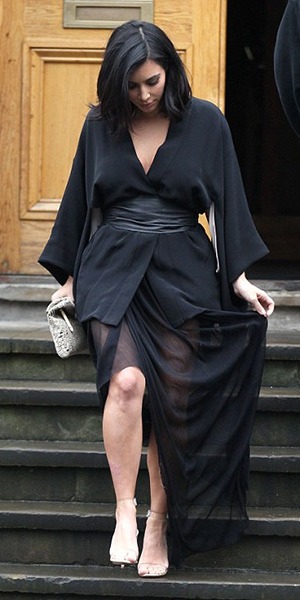 kim-kardashian-Fleur-Du-Mal-Haori-silk-kimono-robe