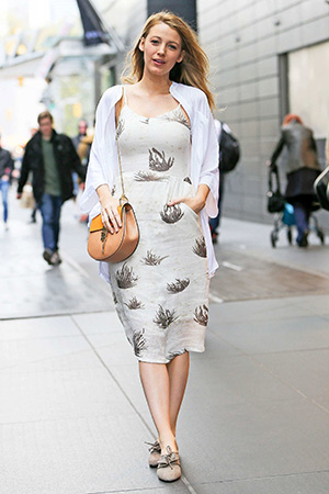 Blake Lively Poses For Paparazzi In New York Wearing A Objects Without Meaning Amber Dress