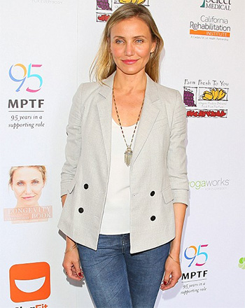 House of harlow 1960 golden hour fringe pendant necklace cameron diaz sports a house of harlow 1960 golden hour fringe pendant necklace at the motion mozeypictures Image collections