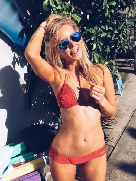 Ariana Madix, Indah bikini, Ray-Ban sunglasses (Instagram)