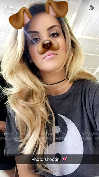 Nicole Guerriero Snapchat - Urban Outfitters Truly Madly Deeply Washed Out Yin-Yang Tee (July 2016 on a photo shoot in London, England)