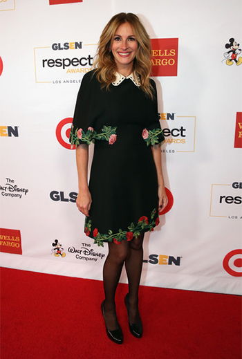Julia Roberts in Gucci Embroidered Cape Dress at 2016 GLSEN Respect Awards — October 21, 2016.