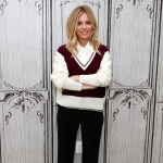Sienna Miller, Chloé Colourblock Pocket Cashmere Sweater (AOL HQ December 13, 2016)