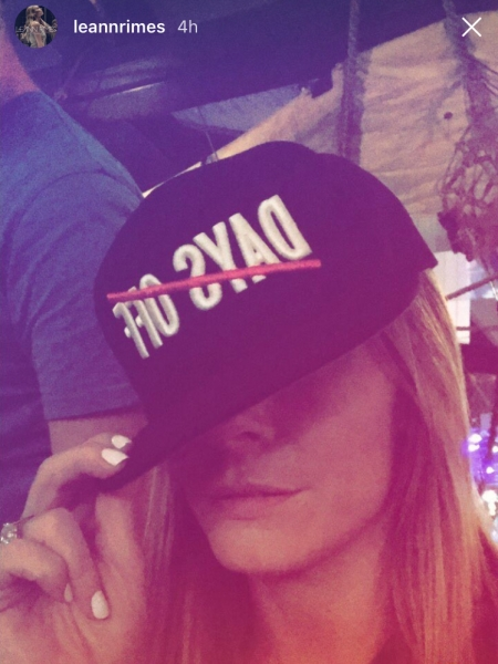 LeAnn Rimes wearing Massiv No Days Off Snapback hat in New Zealand (Instagram Story March 2017)